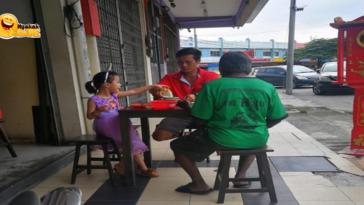 Foto Viral Ayah dan Anak Ajak Makan Gelandangan ini Menenangkan Hati