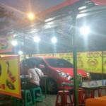 Viral Mobil yang Parkir di Dalam Warung Pecel Lele